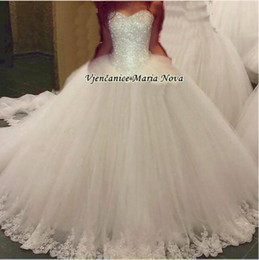 Wholesale Crystal Strapless White Wedding Dresses - New Elegant Sweetheart Tulle Ball Gown Wedding Dresses Beaded Top Lace Applique Floor length Bridal Gowns Custom Made Wedding Gowns