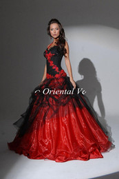 Wholesale Bridal Gowns Vintage Ankle Length - Red and Black Ball Gown Gothic Wedding Dresses Halter Backless Lace Appliques Custom made colored Victorian Bridal Gowns Vestidos de Novia