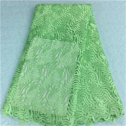 robes en dentelle vert citron Promotion (5 yards / pc) BW84-5, tissu africain de dentelle avec la broderie de style d'étoile, nouveau tissu de dentelle guipure française vert citron de mode pour la robe de soirée