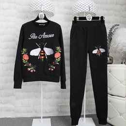 Wholesale Tracksuit Women Flowers - Brand Designer Luxury Embroidered Fleece Tracksuits 2017 Autumn Winter Women Two Piece Bees Flowers Casual Hoodies Sweatshirts Pants Sets