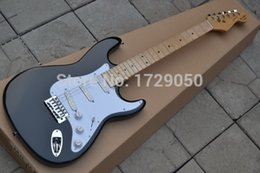 Wholesale Eric Clapton Guitars - Wholesale-Wholesale Top quality - HOT SALE black st Eric Clapton Signature Maple fingerboard electric guitar free shipping 719
