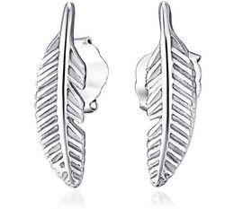 Pendientes de plumas online-925 Pendientes de Plata Esterlina Pendientes Joyería de Moda Little Feather Estilo Pendiente Simple para Mujeres Niñas