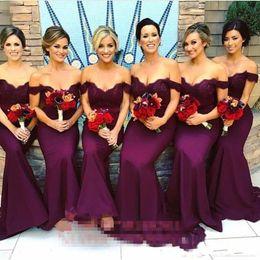 formas africanas do arco Desconto Lindo árabe Lace longo vestidos de dama de honra 2018 Sereia Off-Shoulder Ruffled convidados de casamento do jardim Vintage Maid of Honor vestidos