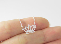 Wholesale Petal Flower Necklace - 5PCS Gold Silver Tiny Lotus Necklace Lotus Flower Necklace Petal Bloom Blossom Necklaces Plant Jewelry for lady women