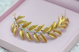 Wholesale Gold Leaves Hair Accessories - 2016 New Fashion European Golden Leaves Hair Hoop Knot Wedding Accessories Simple Headdress Wedding Bridal Accessories