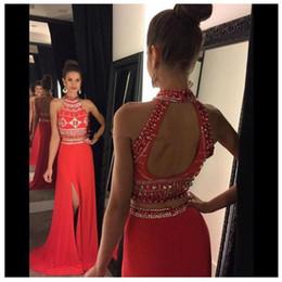 Vestido de duas peças de organza vermelha on-line-Vermelho Duas Peças Longos Vestidos de Baile 2016 Cristal Frisada de Gola Alta Aberto de Volta A Linha Side Dividir Chiffon Trem de Varredura Vestidos de Festa