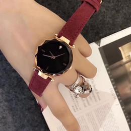 Marque de luxe Femmes En Cuir Quartz Montre Analogique Montres Cristal Exquis Robe Montre-Bracelet D'anniversaire Cadeau Femme Horloge Relogio Montre Femme ? partir de fabricateur