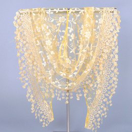 Wholesale Lightweight Fashion Scarves - Wholesale- Fashion Lace Scarf Triangular Crochet Design Lightweight Ladies Vogue Top Wrap Scarves Warm Comfort Scarves Accessories