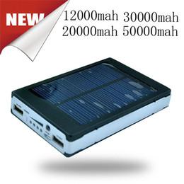 Alta capacidad 50000 mah Cargador solar y batería 50000mAh Panel SolarCharger Puertos de carga dual Banco de energía portátil para teléfono celular MP3 MP4 desde fabricantes