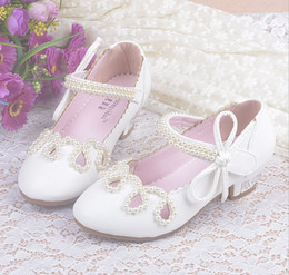 Wholesale Child Girl Summer Bow Shoes - Nina 2016 Children Princess Sandals Kids Girls Wedding Shoes High Heels Dress Shoes Party Shoes Girl Pearls Bows Leather Shoes