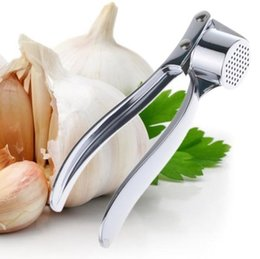 Macchina di zenzero dell'aglio online-Aglio Crusher Press Mincer Utensili da cucina in acciaio inox Ginger Garlic Clip Machine 2015 Nuovi Gadget frutta verdura Orc