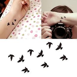 2019 tatuaggio polso sexy 10.5x6cm Donne Sexy polso dito Flash adesivi tatuaggio finto Liberty Piccoli uccelli Fly impermeabile adesivi Tatuaggi temporanei sconti tatuaggio polso sexy