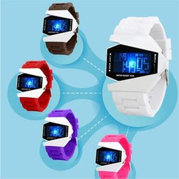 Relógio de forma irregular on-line-Hot Moda Stealth Avião Bombardeiro Forma Relógio de Pulso Esportes LED Relógio Digital de Silicone Relógio de Pulso Data Chronograph Mulheres / Homens Relógios