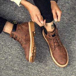 Wholesale Short Lace Up Boots - Outdoor Men'S Casual Travel Shoes Comfortable Ankle Boots Winter Men Fashion Martin Boots Vintage Leisure High Top British short boots