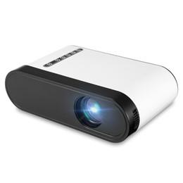 2019 tablet proiettore dlp Wholesale- P7 Mini proiettore LCD 600 Lumens Portable Porjector 1080P 320 x 240 Mini proiettore con altoparlante per videogiochi Movie PK YG300