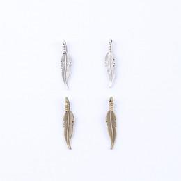 Colar de prata e pena de charme on-line-Nova moda de prata / cobre retro Feather Pingente Fabricação DIY jóias pingente fit Colar ou Pulseiras charme 400 pçs / lote 4772