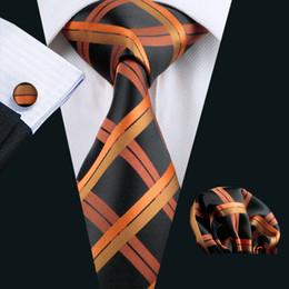 schwarze krawatte orange streifen Rabatt Orange Schwarz Klassische Plaid Check Krawatten Set Einstecktuch Manschettenknöpfe Jacquard Woven Business Formale Arbeit Krawatte Set Mens Fashion N-0344