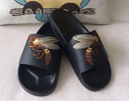 Wholesale Open Paragraph - Free shipping Summer open-toed leather flat flip flops embroidered bee jab with the same paragraph shoes sandals summer black and white