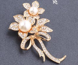 Wholesale Custome Jewelry - Luxury Custome Jewelry Brooches Pearl Brooch for Women Clear Rhinestone Diamond Brooch Wedding Party Prom Bridal Accessories