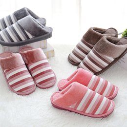 Wholesale Boys Home Slippers - 171118001 2017 high quality New personality indoor plush heart pattern Winter cotton shoes Home warm cotton slippers girls women men boy