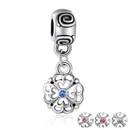 925 breloques en argent accessoires perlés de bricolage rond pendentif de fleur creux pendentifs de luxe de couleur accessoires ? partir de fabricateur
