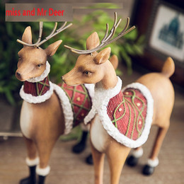 Wholesale Happy New Year Gift Boxes - New arrival fashion lover deer family home ceramic decoration Artificial Simulation Animal Deer home decoration HK43