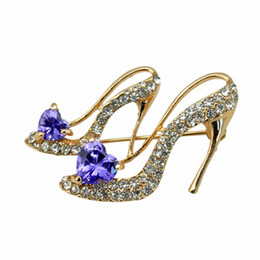 Wholesale Bridal Brooches Wholesale - 10pcs lot Woman's Rhinestone High-heeled Shoes Style Lapel Brooches Pins Glitter Wedding Bridal Crystal Breastpins wx731