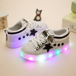 Wholesale Outdoor Led Dmx - Kids Shoes Girl Boys LED Shoes Les Lighting Star Casual Star Sneaker Luminous Athletic Flat Shoes