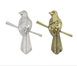 Wholesale Fire Fingers - Game of thrones little finger sound imitation bird Song of ice and fire children brooch factory direct clothing decorations wholesale