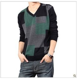 Wholesale Korea Man Sweater - Wholesale-New Come Hot Sale Korea Style Winter Warm Fashion Style Men's Sweater 1Pc Lot Contrast Color V-Neck Knitting Sweater