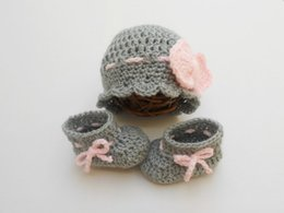 Argentina Crochet Baby hat and booties set / Baby Outfit / Gris / Rosa / Bow beanie Baby Girl Outfit fotografía prop Crochet bebé shoe0-12M cliente Suministro