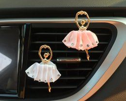 Wholesale Exhaust Pipe Decoration - Ballet car perfume air outlet clip lovely creative outlet decoration perfume flavor of vehicle exhaust pipe