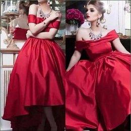 2019 barato modesto vestidos vermelhos Modest Alta Baixa Bateau Neck Vestidos de Festa Red Satin Custom Barato A Linha Curta Homecoming Wear Vestido de Baile Formal Evening Ball Gowns desconto barato modesto vestidos vermelhos