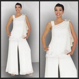 2019 fotos da festa de casamento mãe Terno da mãe 2 pcs Elegante Branco de Um Ombro Plus Size Vestido Vestido Ocasional Branco Chiffon Frisada Lantejoulas Mãe Da Noiva Suits Pant