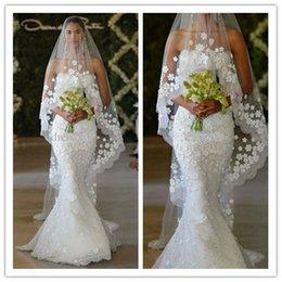 Wholesale Oscar Crystal Dresses - 2015 New elegant mermaid Oscar del la Renta Spring Bridal Strapless lace floor length Mermaid Wedding dresses Custom Made free veil