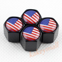 Nero stile auto camion aria polvere ruota vite pneumatico pneumatico valvola tappo tappo coperchio USA bandiera emblema Trim accessorio universale cheap tyre flags da bandiere delle gomme fornitori