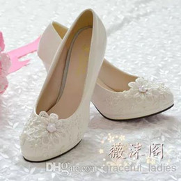 Wholesale Rhinestone Beaded Flat Sandals - 2016 Ivory Wedding Shoes Lace Applique Handmade Bridal Shoes Bridal Accessories Rhinestone Wedding Shoes Crystal Women Sandal Platforms