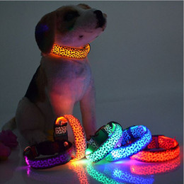 Wholesale Dogs Lighting - LED Dog Collar Safety Leopard Design Nylon Night Light Necklace For Dog Cat Glowing in the dark Flashing Pet Decor Producto L007