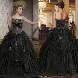 Wholesale White Halloween Lace Victorian Dresses - 2015 Gothic Black Victorian Ball Gown Prom Dresses Vintage Spaghetti Strap Bodice Tulle Floor-Length Halloween Evening Dress