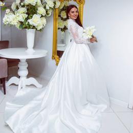 Vestido de casamento de cetim removível on-line-Alta Neck Lace manga comprida vestido de baile vestidos de casamento com jaquetas removíveis Elegant White Wedding Gowns cetim simples vestidos de noiva elegante