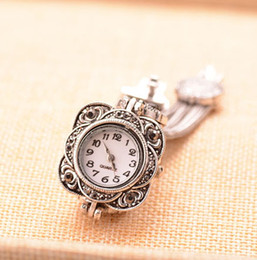 Wholesale Silver Costume Watches - Wholesale-Classic Antique Silver Rhinestone Wristwatches Women Retro Metal Flower Watches Jewelry Costume Hand Watches