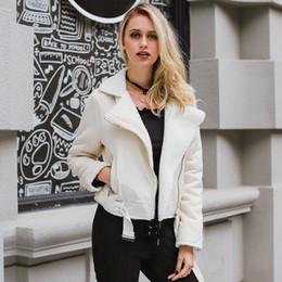 828466483b4d Lily Rosie Fille Khaki Suede Veste En Cuir Femmes Double Zipper Poche Haute  Ceinture Wasit Chaud En Laine Intérieur Automne Hiver 2017 Manteau