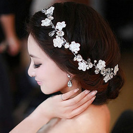 Wholesale Pearl Hair Ornaments - Handmade Lace Bridal Headdress Flower Head Flower Hair Ornaments Handmade Pearl Wedding Hair Band Korean Wedding Accessories