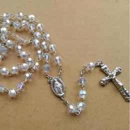 Rosário de cristal branco on-line-Jóias Religiosas Moda Metal Longo Design Pingente Cruz 8mm Branco Cristal Rosário Colar Para As Mulheres
