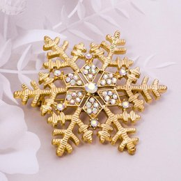 Wholesale Wholesale Women S Fashion Scarves - Christmas gift snowflakes brooch scarves buckle amphibious fashion accessories brooch pin flowers for women 's jewelry fashion brooches