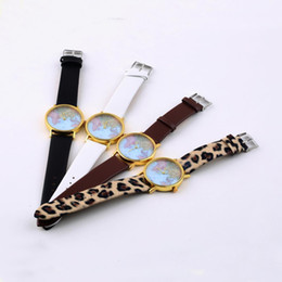 Wholesale Retro Womens Leather Wrist Watch - Fashion Womens Synthetic Leather Alloy World Map Globe Analog Quartz Retro Wrist Watch 4 Styles