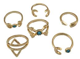nagelförmige ringe Rabatt Neue Art und Weise böhmische Art-Silber überzogenes Design 6 Arten natürliche Türkis-Mond-Form-Nagel-Ringe für Frauen Schmuck
