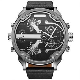 Nuovi uomini orologi orologi online-Nuovo lusso top marca OULM militare orologio da uomo al quarzo analogico orologio da polso da uomo Sport Watch Army Black Watches