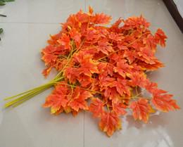 seidenrot ahorn Rabatt 65 cm Länge Künstliche Seide Rot Ahorn Blatt Baum Blatt Blätter Zweig für Hochzeit Home Office Dekorationen Lieferungen