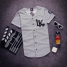 Gros-2015 Mode Hommes V-cou Hip Hop Tyga swag derniers rois t-shirt baseball Chemises Homme Summer strip buttoms T-shirts ? partir de fabricateur
